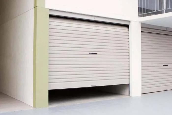 cửa nâng tự động cho nhà ống